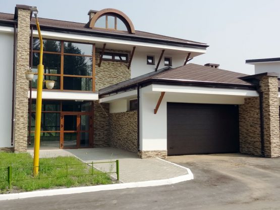 Ворота в гараж с удобным открыванием
